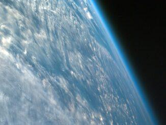 Wolken über der Erdoberfläche