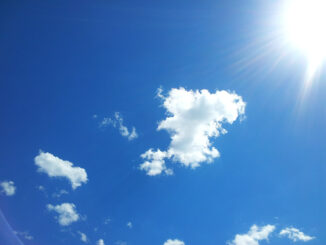 Die UV-B Strahlen der Sonne rufen die Vitamin D Bildung in der Haut hervor.