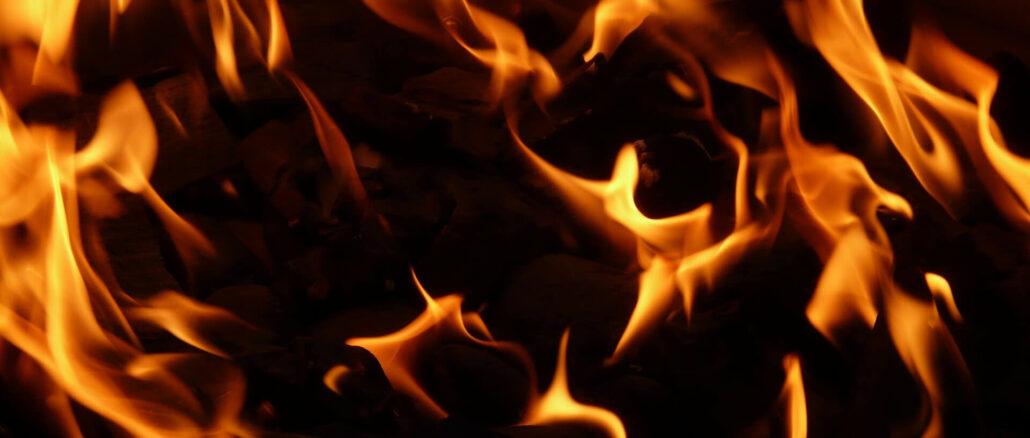 Feuer als Zeichen für Sonnenbrand