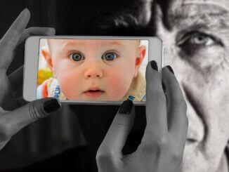 Jung und Alt Tipps die Beschleunigung der Hautalterung zu stoppen
