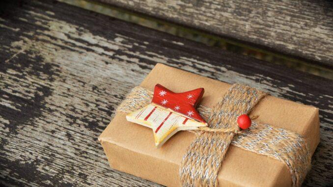 Geschenkpaket Liste mit Geschenken